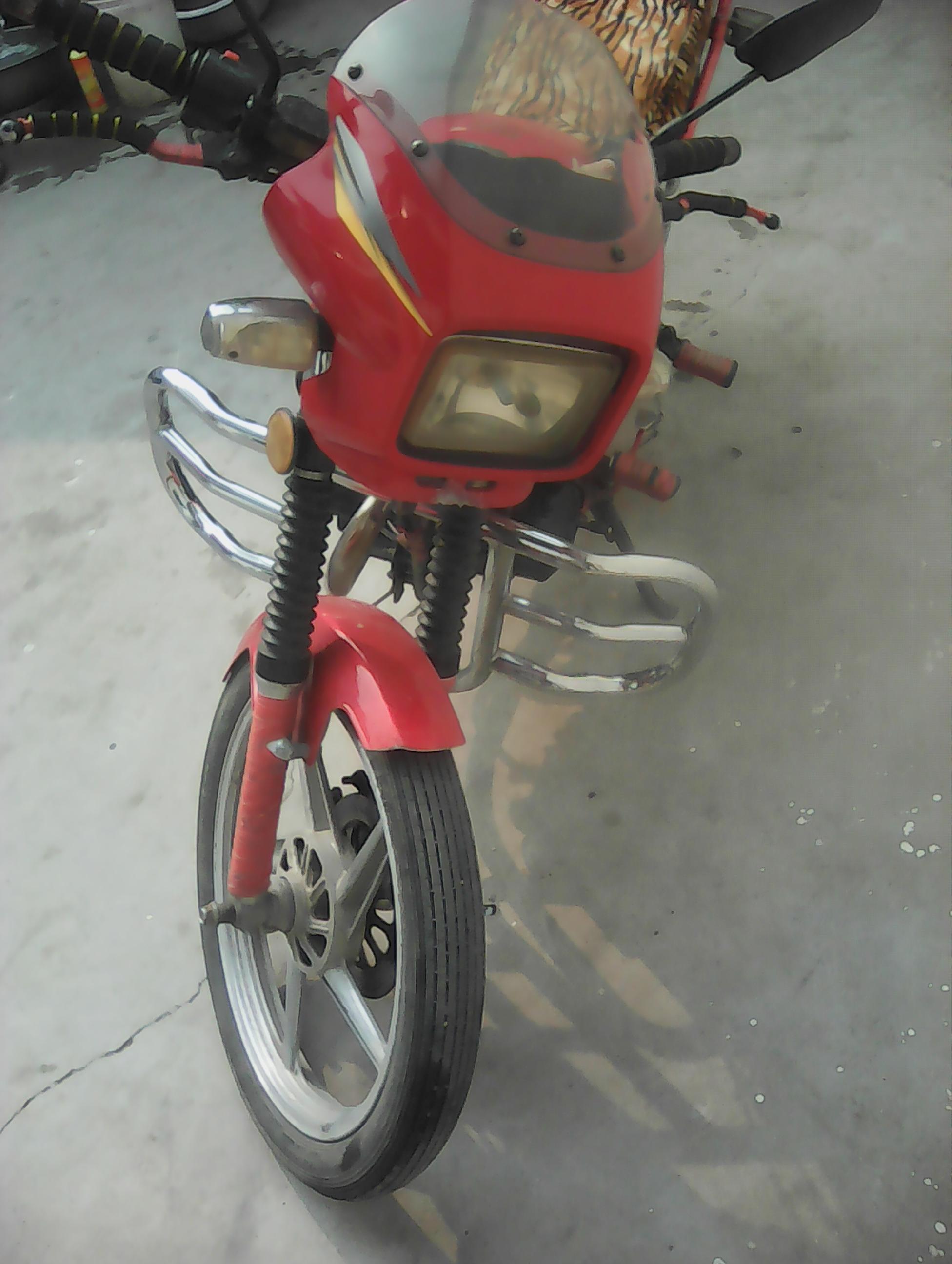 钱江125摩托车转让